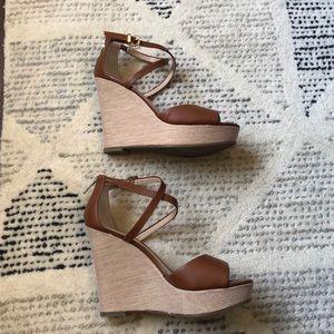 dbbec4ecec Banana Republic Shoes - Banana Republic Wedge Sandals